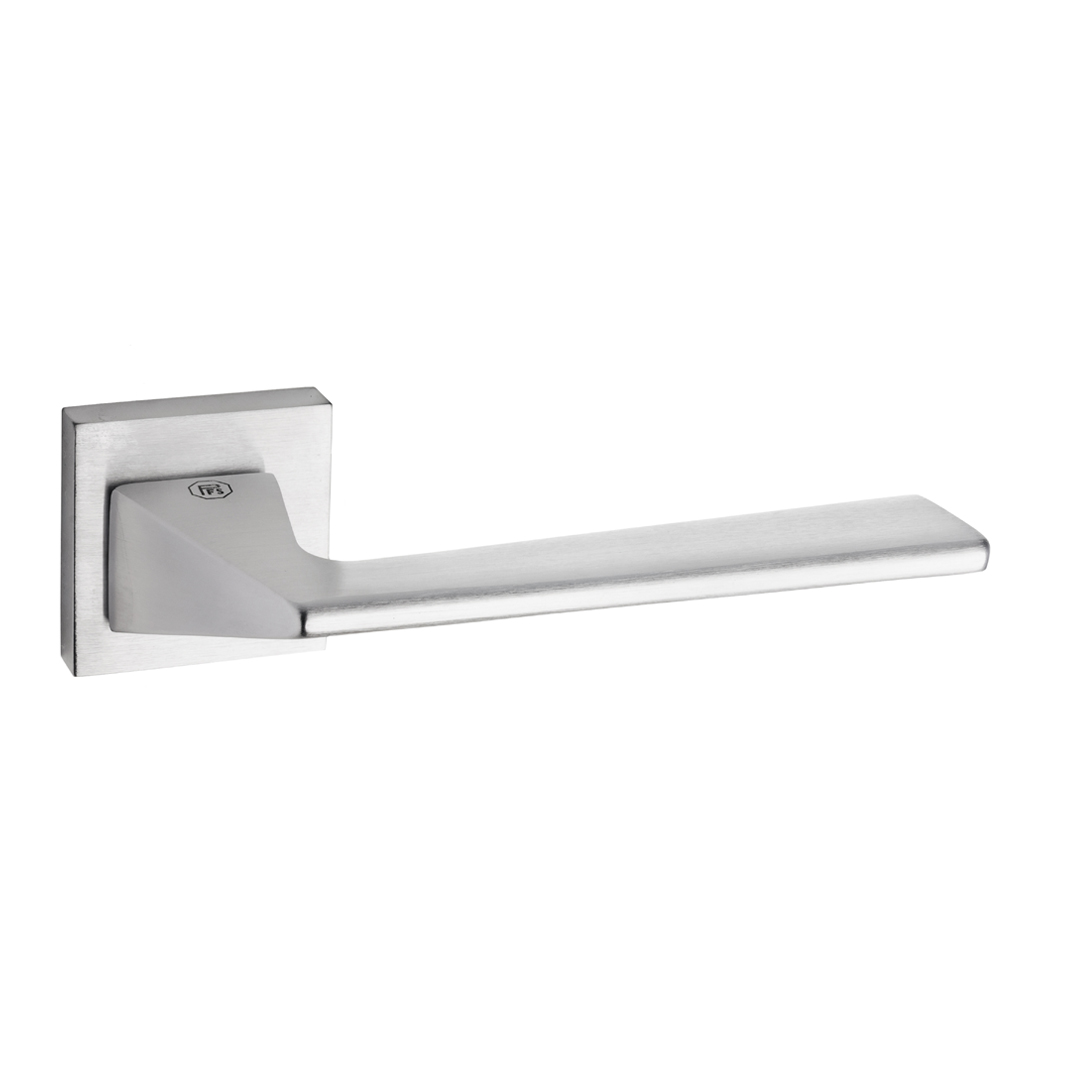Handle Vale on rose satin chrome