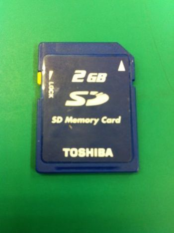 TOSHIBA_SD_2GB.jpg