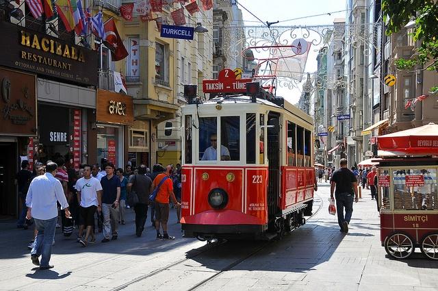 istambul-ruaIstiklal Caddesi