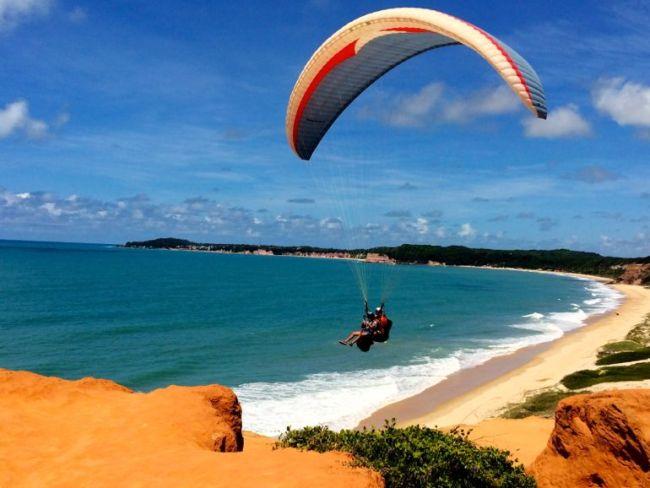 Hang gliding at Cacimbinhas Beach
