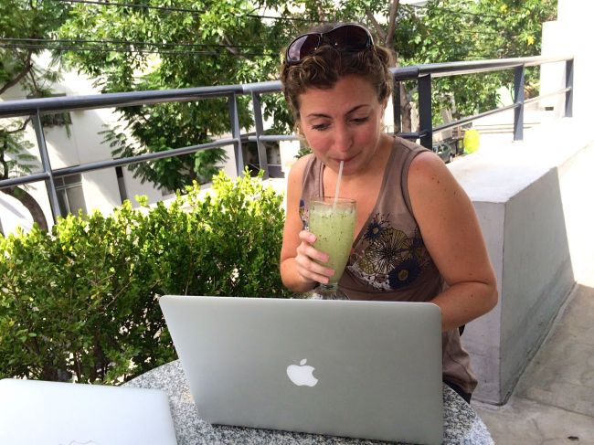 She works hard for the money...while in Buenos Aires cafés.