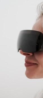 Etihad Airways trials virtual reality headsets in its Abu Dhabi premium lounges
