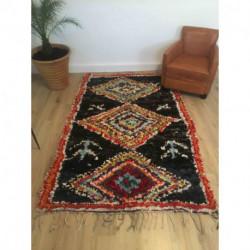 tapis boucherouite au fond noir 237 x 140