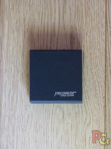Unboxing Fire Emblem Three Houses - écrin clé USB