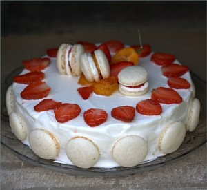 Strawberries & Cream Mac-O-range Cake