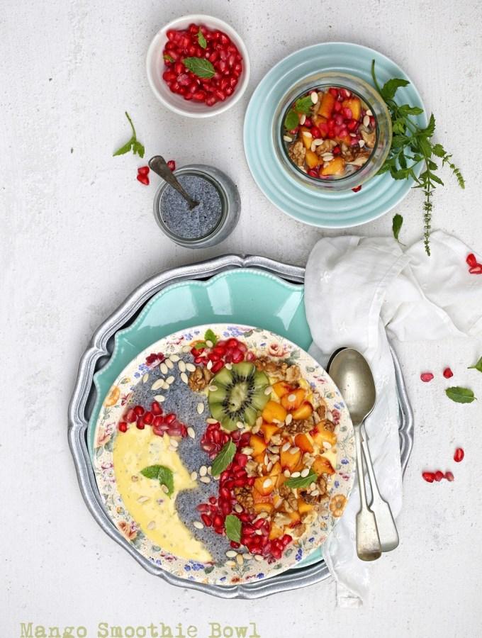Foodtalk| Mango Smoothie Bowl … breakfast stories on the go #Foodventures #breakfastforchampions