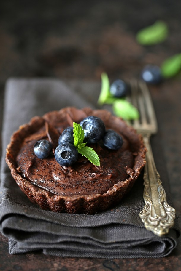 Wholegrain-Eggless-Chocolate-Blueberry-Tart-10 Wholegrain Eggless Chocolate Blueberry Tarts ... sometimes chocolate IS the answer!
