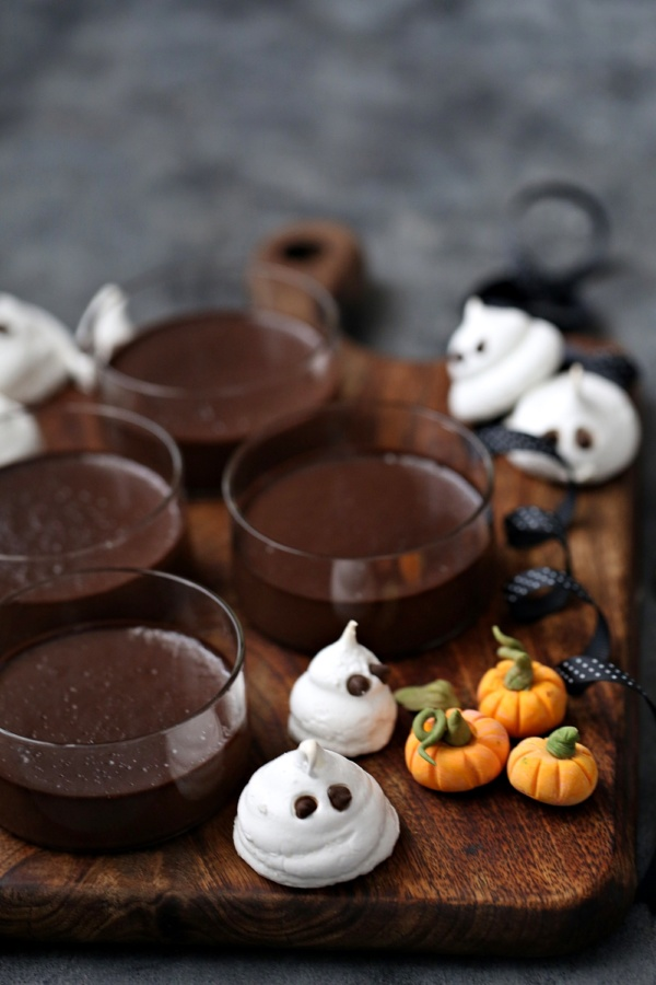 Dark-Chocolate-Halloween-Pudding-3 Dark Chocolate Halloween Pudding ... with meringue ghosts and fondant pumpkins on cookie dirt #glutenfree #dessert