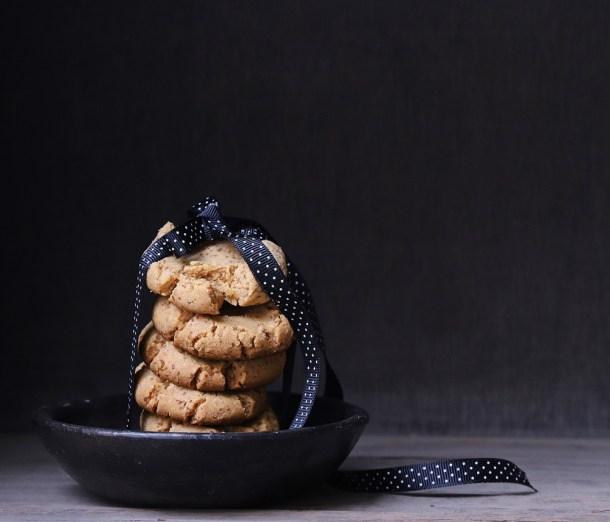 Peanut-Butter-Semolina-Eggless-Cookies Dark Chocolate Walnut Gateau {GF} ... and exploring the Canon 6D Mark II #photography #canon