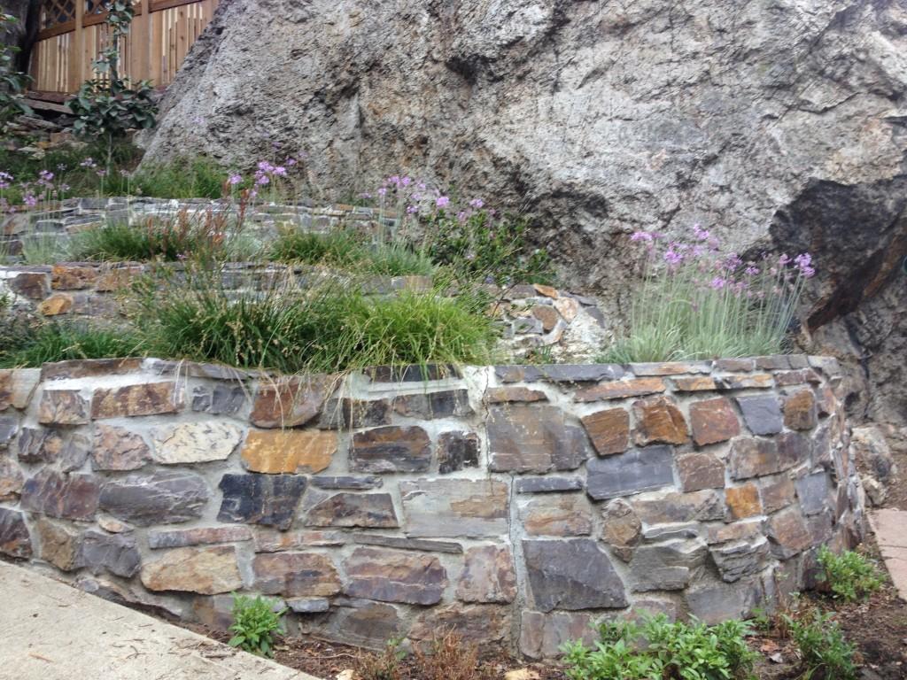 3 Stone Retaining Wall Ideas For Hillside Gardens