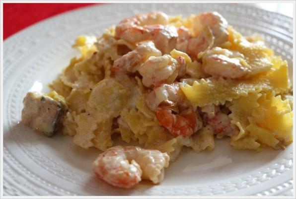 ricetta tagliatelle fresche con salmone scampi e porri