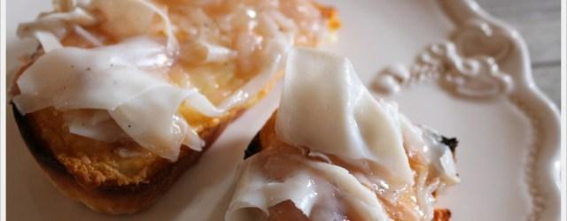 val d'Orcia crostini pecorino e lardo