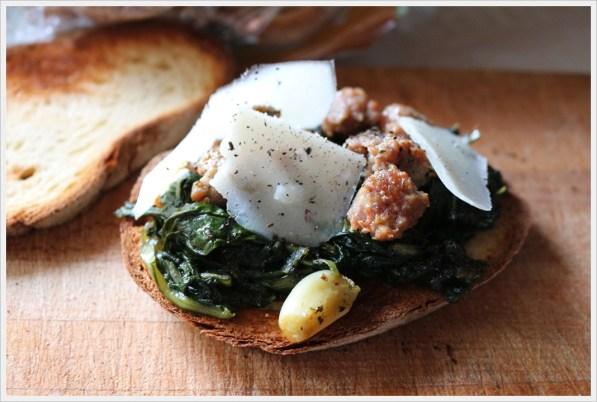 ricetta crostone alla cicoria e salsiccia
