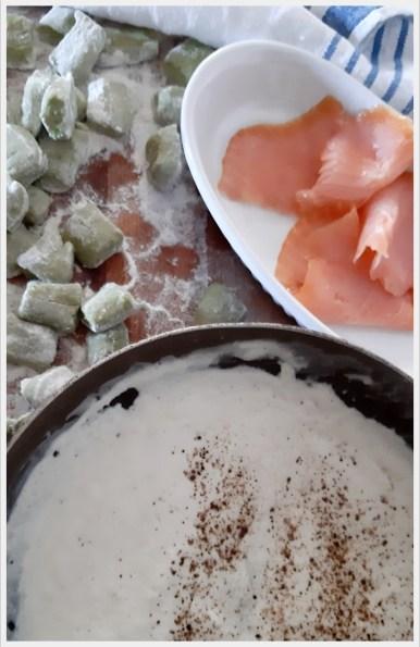 ricetta gnocchi di pane e piselli