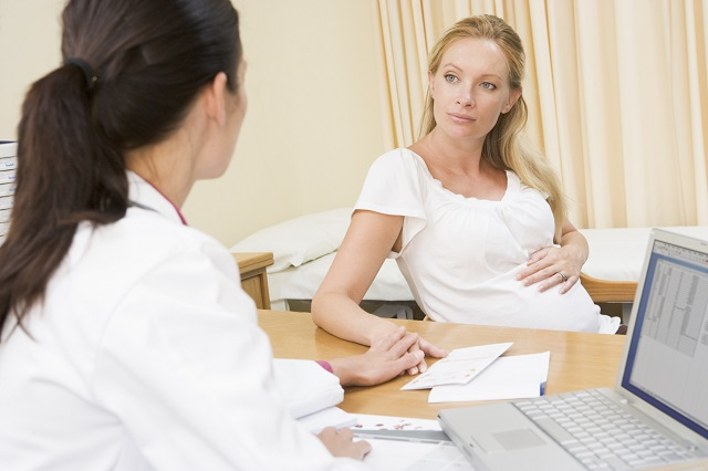 donna incinta dal dottore