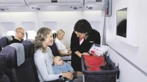 foto_mamma_e_bambino_in_aereo