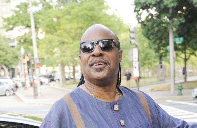 Stevie-Wonder papà per nona volta
