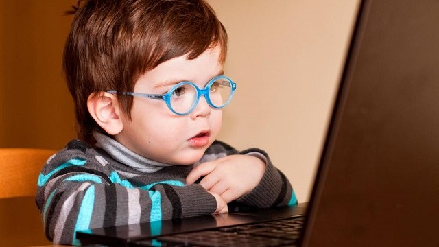 foto_bambini_digitali_rischi_e_vantaggi