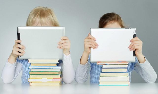 bambini digitali tutti vantaggi e rischi
