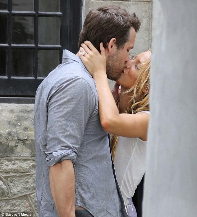 Ryan Reynolds e Blake Lively bacio