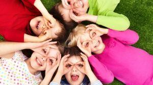 foto_bambini_guardano_occhi