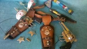 foto_armi giocattolo cowboy indiani