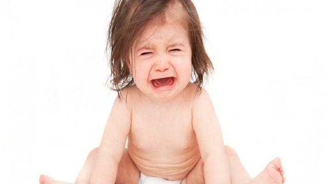 foto_bimba che piange