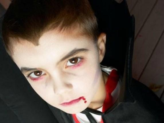 foto trucco vampiro bambino halloween
