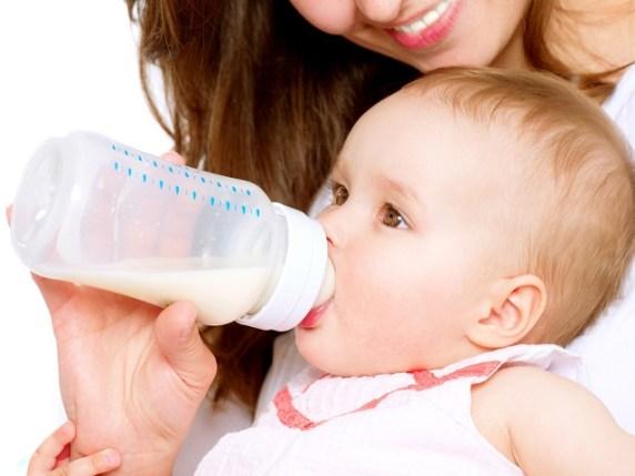 foto_allattamento_artificiale