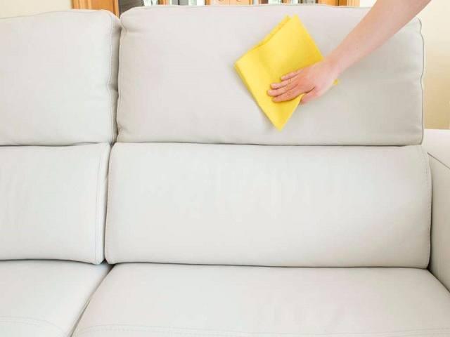 Come pulire il divano in pelle facilmente passione mamma