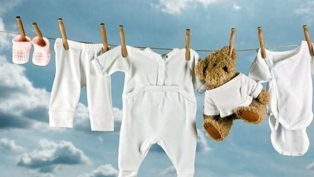 Corredino neonato ospedale maggio cosa serve davvero - Lista di cose da portare in ospedale per il parto ...