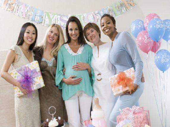 amiche al baby shower