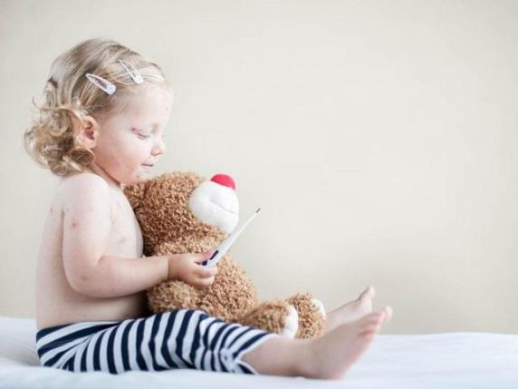 bambina sesta malattia