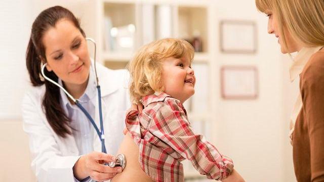 bambini dal pediatra