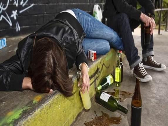 abuso di alcol tra i giovani