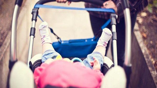bimbi passeggino estate