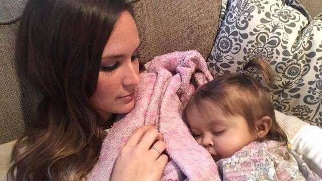 bambina fegato baby sitter