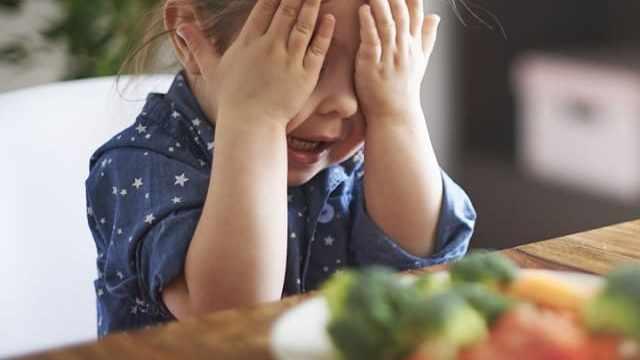 foto bambina verdure