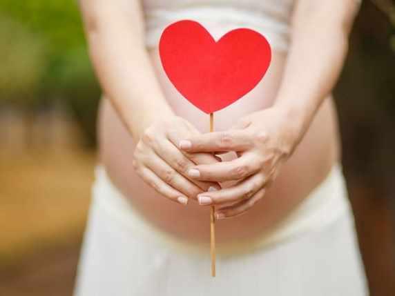 foto immagine tenera amore gravidanza