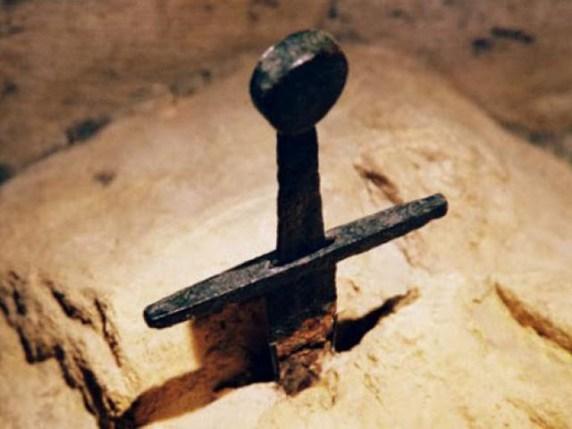 Foto spada nella roccia Toscana
