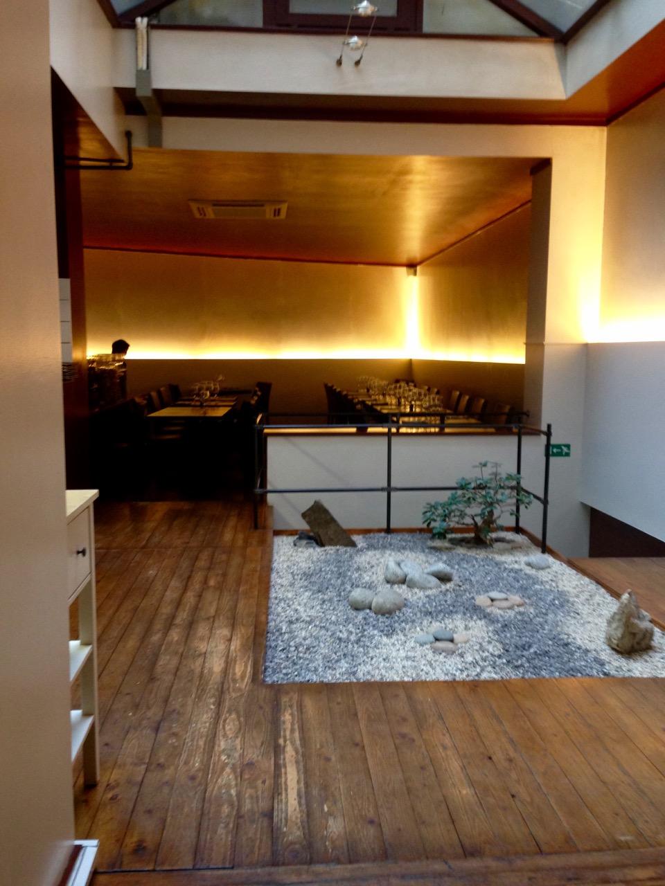 Chez Oki, Restaurant japonais à Ixelles - Jardin Zen