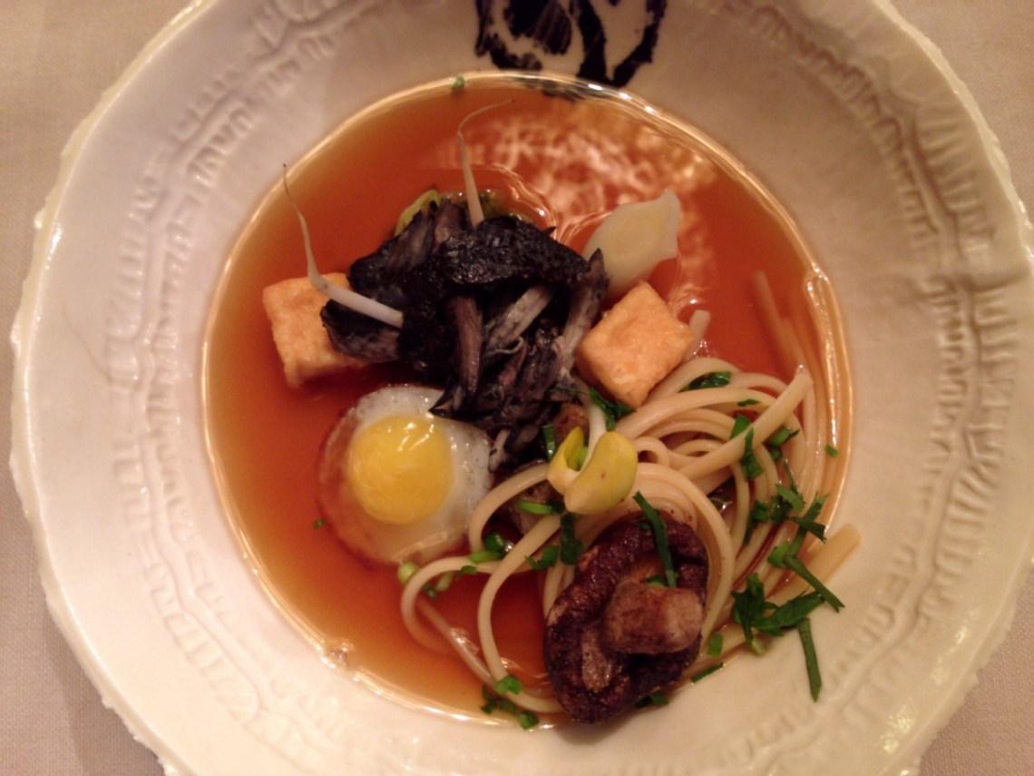 Restaurant L'impératif à Péruwelz - Poule nègre-soie