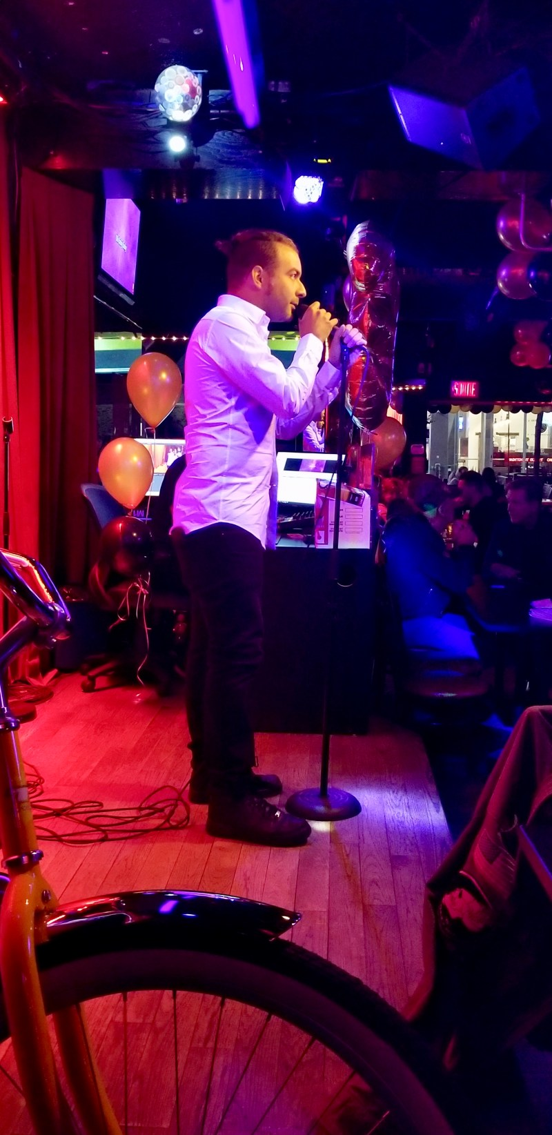 Le Club Date Karaoke Montreal