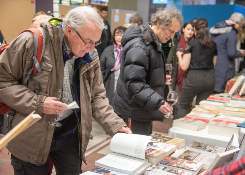 Holiday-Pop-up-bookfair_PLD_20181124_021.1200