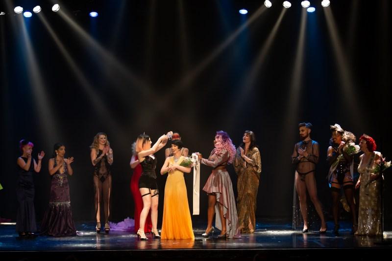 Burlesque - couronnement