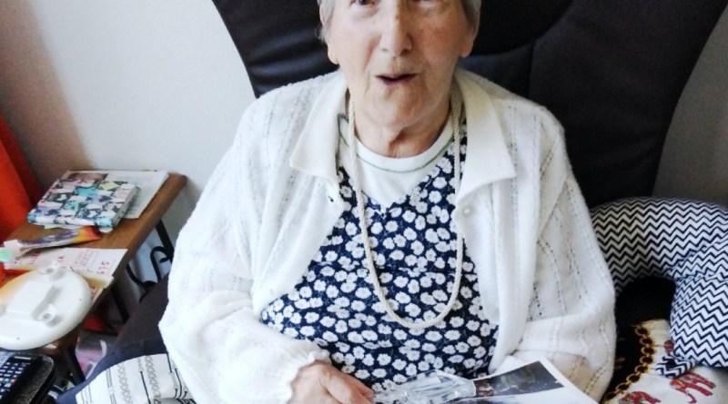 Neveo-grand-mère-photo