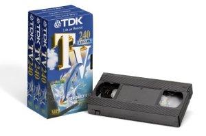 TDK T14569 TV-240 Pack de 3 cassettes vidéo VHS (240 minutes d'enregistrement) (Import Allemagne)