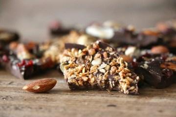 Tablette de chocolat granola et fruits secs