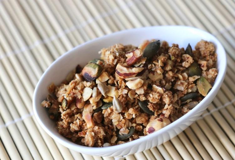 Granola aux noisettes, pistaches et graines de courge, IG bas