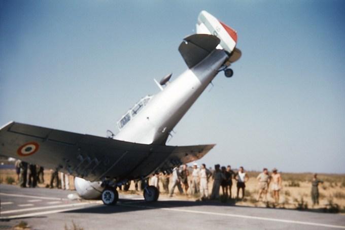 T-6G1 de l'EIALAA 1/32 en mauvaise posture à ReghaÏa 1958